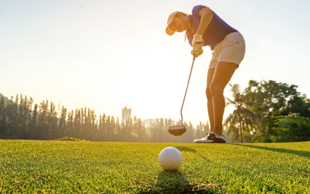 Surprise Your Golfer Spouse with a Home Installation of Putting Green in San Antonio, TX